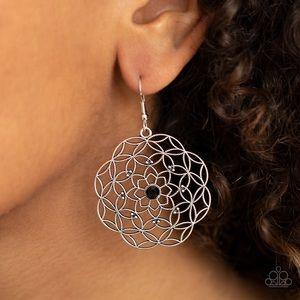 ❤️Botanical Bash Earrings